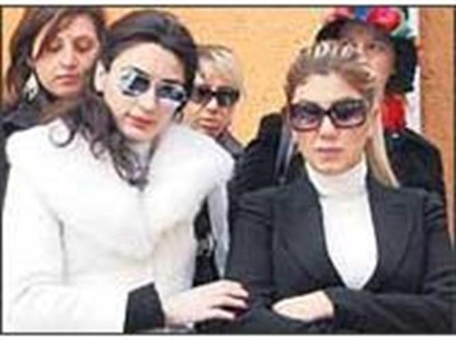 Nadide Sultan artık bekar
